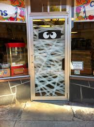 easy mummy halloween door decoration everyday parties