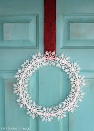 Best Outdoor Christmas Decorations by 30 Christmas Door Decorating Ideas Best Decorations For Your