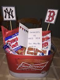 s birthday gift ideas boyfriend s 21st birthday present yankees sox baseball