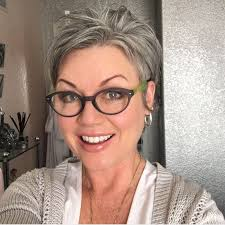 best shoo for gray hair for women best 25 gray hair women ideas on pinterest grey hair short bob