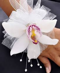 How To Make A Corsage Wristlet Boutonnieres U0026 Corsages For Prom Central Square Florist
