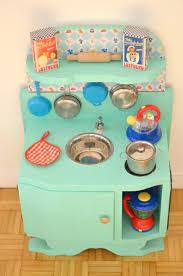 jeux de cuisine pour bébé diy une cuisine enfant en bois à fabriquer à partir de récup