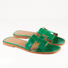 designer garderoben wandgarderobe hermes crocodile green oran sandals garderobe