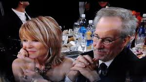does kate capshaw have naturally curly hair kate capshaw hairstyles kate capshaw and steven spielberg