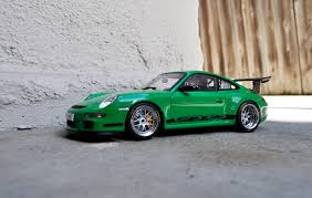 porsche 911 gt3 modified autoart porsche 997 gt3 rs signal green modified dx modelwerks