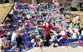 8 year old delivers 1 300 toys to fellow cancer patients for