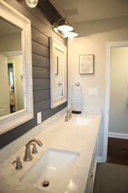 Sarah Richardson Bathroom Ideas by Best 25 Bungalow Bathroom Ideas On Pinterest Craftsman Bathroom