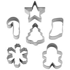 wreath mini cookie cutter set by wilton bakers