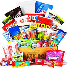 halloween care packages for college students amazon com cravebox deluxe care package snack box gift