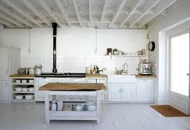 cuisine sol blanc le parquet blanc une tendance déco archzine fr
