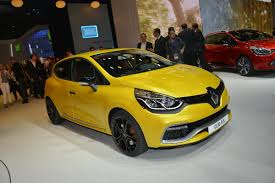 renault clio sport renault shifts into sport mode with new clio r s 200 edc powered