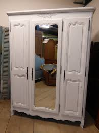 Bedroom Furniture Armoire by Bedroom Furniture White Classic Bedroom Armoire Wooden Wardrobe