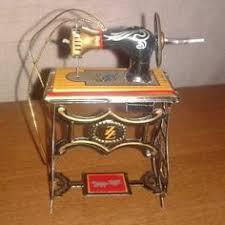 antique davis delight vs cast iron base crank sewing