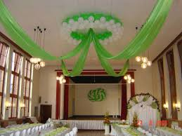 how to decorate home for wedding white and emerald green theme wedding decoration balloons
