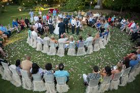 Small Backyard Wedding Ideas by Great Idea For A Small Wedding Ceremony Circle Your Guests So