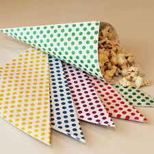 popcorn favor bags paper cone bags 20 nut and popcorn bags favor bags treat bags