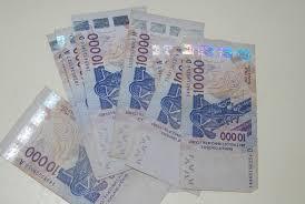 bureau de transfert d argent la gérante d un bureau de transfert d argent dupée avec des faux