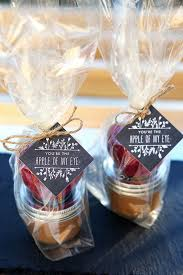 caramel apple party favors caramel apple dippers gift favor ideas from evermine