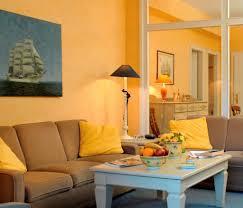 Farbgestaltung Im Esszimmer Wohnzimmer Wohnideen Mit Deko In Kräftigen Farben Wohnen Mit