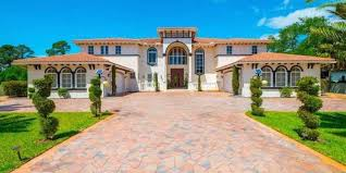 cheap mansions for sale 11 celebrity homes for sale luxury homes and mansions for sale
