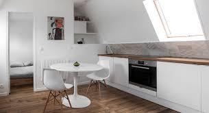 salle de bain dans chambre sous comble idee salle de bain sous pente maison design bahbe com