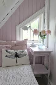 wohnideen small bedrooms aus einer kleinen dachnische wird ein gemütliches schlafzimmer