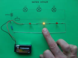 series circuit 3 leds 0 switches idea