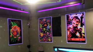 black light spray paint home depot blacklight game how to have black light party fluorescent rugs