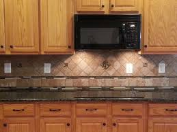 Countertop Backsplash Combinations by Best 25 Green Granite Countertops Ideas On Pinterest Cozy