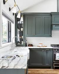 painting wood cabinets in kitchen mistakes you make painting cabinets