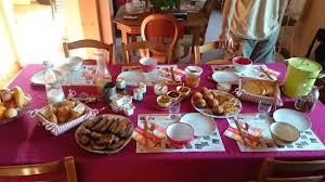 chambre et petit dejeuner petit déjeuner et chambre familiale picture of logis de