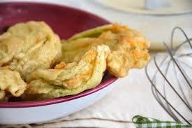 fiori di zucca fritti in pastella fiori di zucca fritti ricetta fiori di zucca fritti di misya