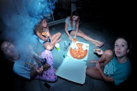 smoking weed in backyard girls weed smoke bong 420 bud smoking pizza house sitting rips