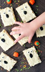 halloween food rice krispies boo bars the seasoned mom