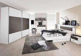 farbe trends bett blau lampe idee schlafzimmer pinterest