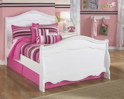 White Sleigh Bed Buy Exquisite Sleigh Bed By Signature Design From Www