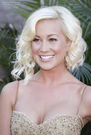 kellie pickler hairstyle photos kellie pickler wearing her hair with asymmetry and waves