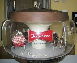 vintage budweiser pool table light budweiser mirrors collectibles the clydesdales can be found on