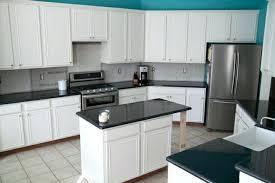 cuisine plan travail meuble de cuisine avec plan de travail cuisine blanche avec plan