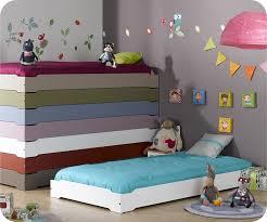 lit chambre enfant lit enfant empilable blanc 90x190 cm et matelas lit pour enfant bois