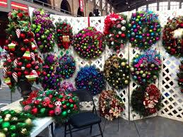 Christmas Ornament Storage Clearance by Best 25 Wreath Storage Ideas On Pinterest Xmas Wreaths U