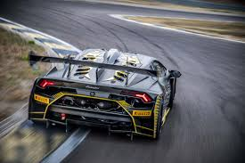 evo lamborghini huracan super trofeo evo revealed as new gt racer