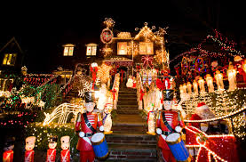 dyker heights brooklyn christmas lights christmas lights cannoli tour returns to brooklyn for 5th year