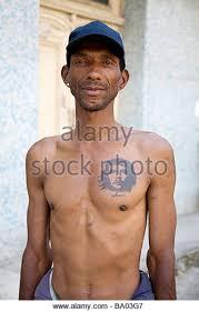 havana man with che tattoo stock photos u0026 havana man with che