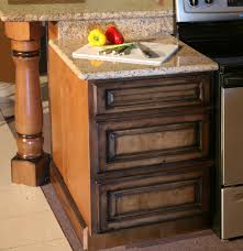 creative on glaze kitchen cabinets kitchen cabinets ivory