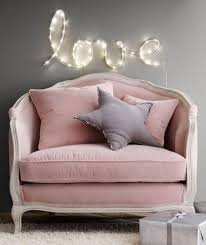 canapé de chambre la couleur poudré dans la déco intérieure canapé baroque