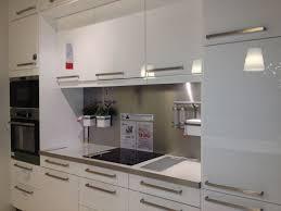 cuisine blanc brillant plan de travail blanc ou noir regrettez vous votre choix 24