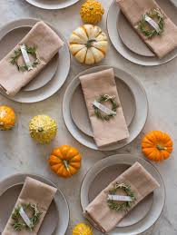 11 easy to make thanksgiving decorations for your home