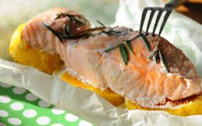 cuisine papillote recette papillote de saumon au butternut et romarin 750g