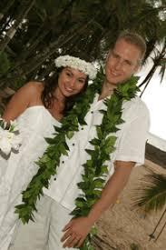 Hawaiian Wedding Dresses View All Beach Wedding Dresses And Hawaiian Wedding Dresses